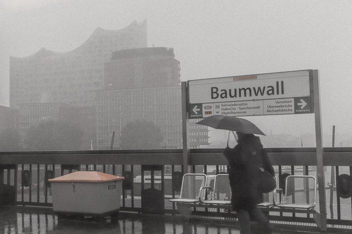 Auf dem Weg zu den Landungsbrücken in Hamburg