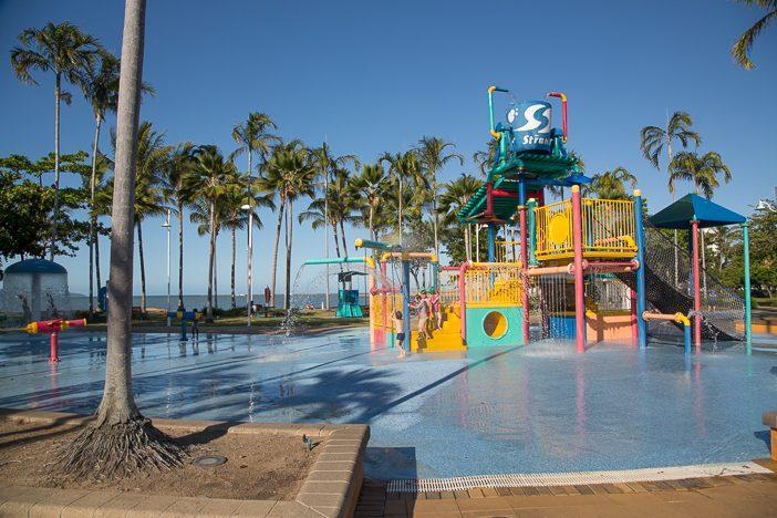 Wasserspielplatz in australischen Küstenorten