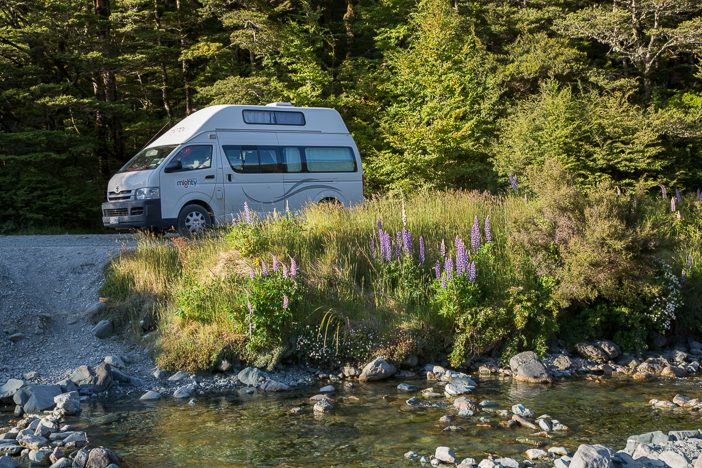Der Camper in seinem natürlichen Umfeld