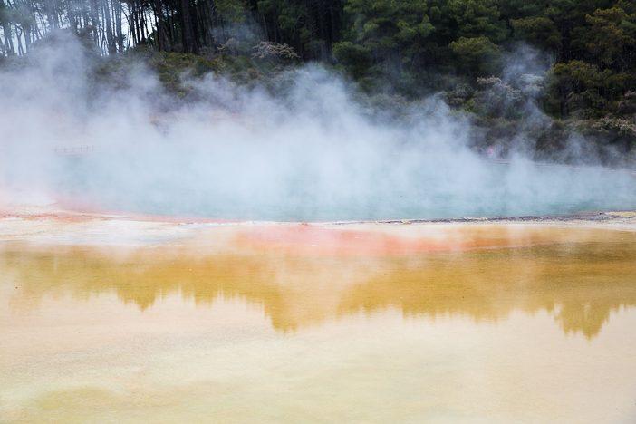 Kratersee in Wai-o-Tapu