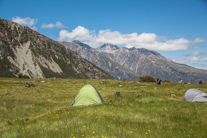 Zelte können sich am White Horse Hill noch schönere Fleckchen suchen - aber auch dort wird es im Sommer voll