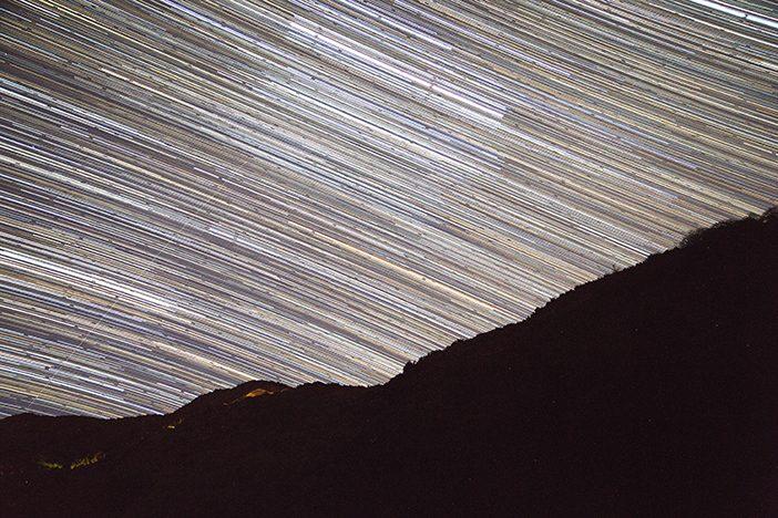 Versuch einer Star-Trail Aufnahme - die Bewegungen über eine Stunde in einem Bild festgehalten