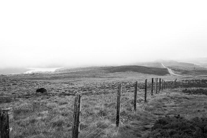Auch bei diesigem Wetter wunderschön: Die schottische Landschaft