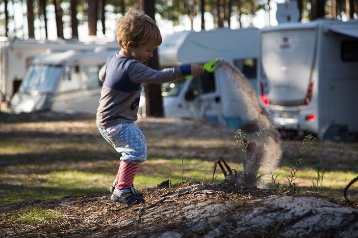 Paul bei seiner LIeblingsbeschäftigung auf dem Campingplatz